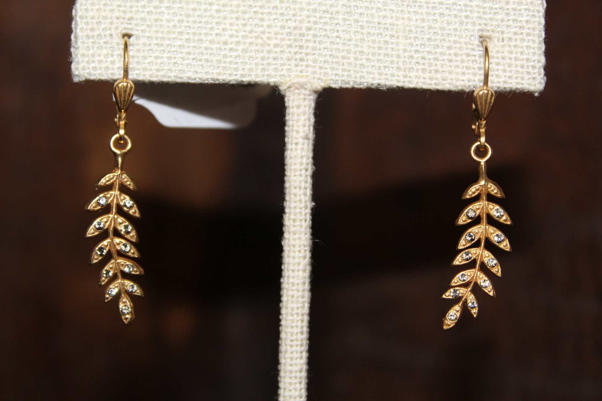 La vie Parisienne Leaf Earrings