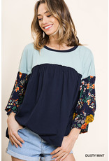 UMGEE FLORAL PRINT PUFF SLEEVE HEATHERED TOP W/RUFFLE DETAIL