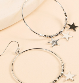 Avenue Zoe Round metal earrings with stars