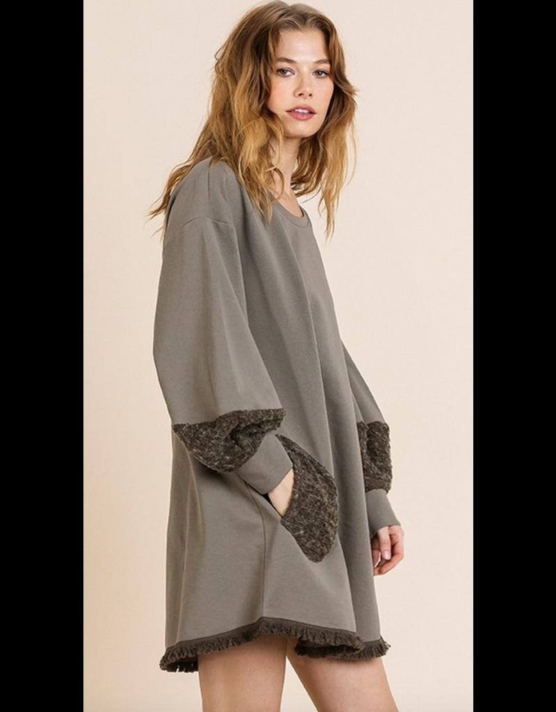 UMGEE Long puff sleeve with pockets and frayed hem dress