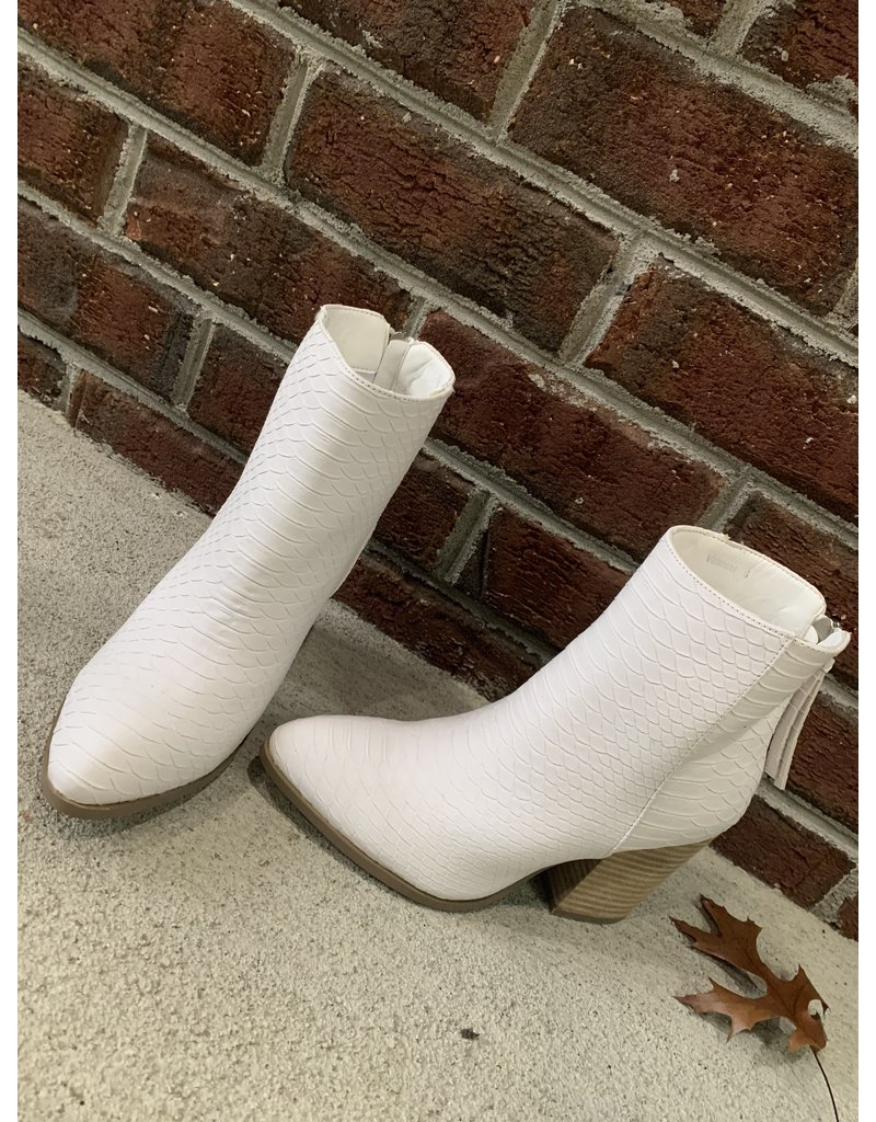 O Limit Fashion White snake print booties with tan heel