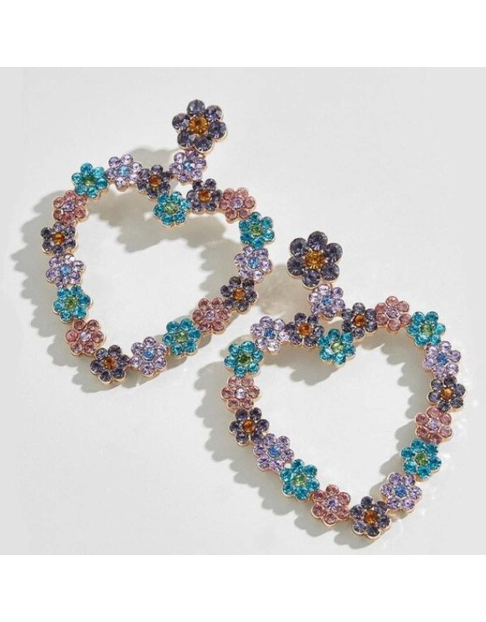 Beautysis Flower heart rhinestone earrings