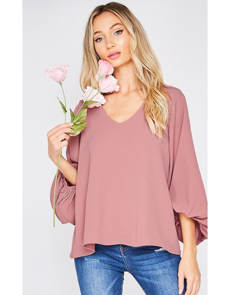 VINE AND LOVE Vneck flowy blouse