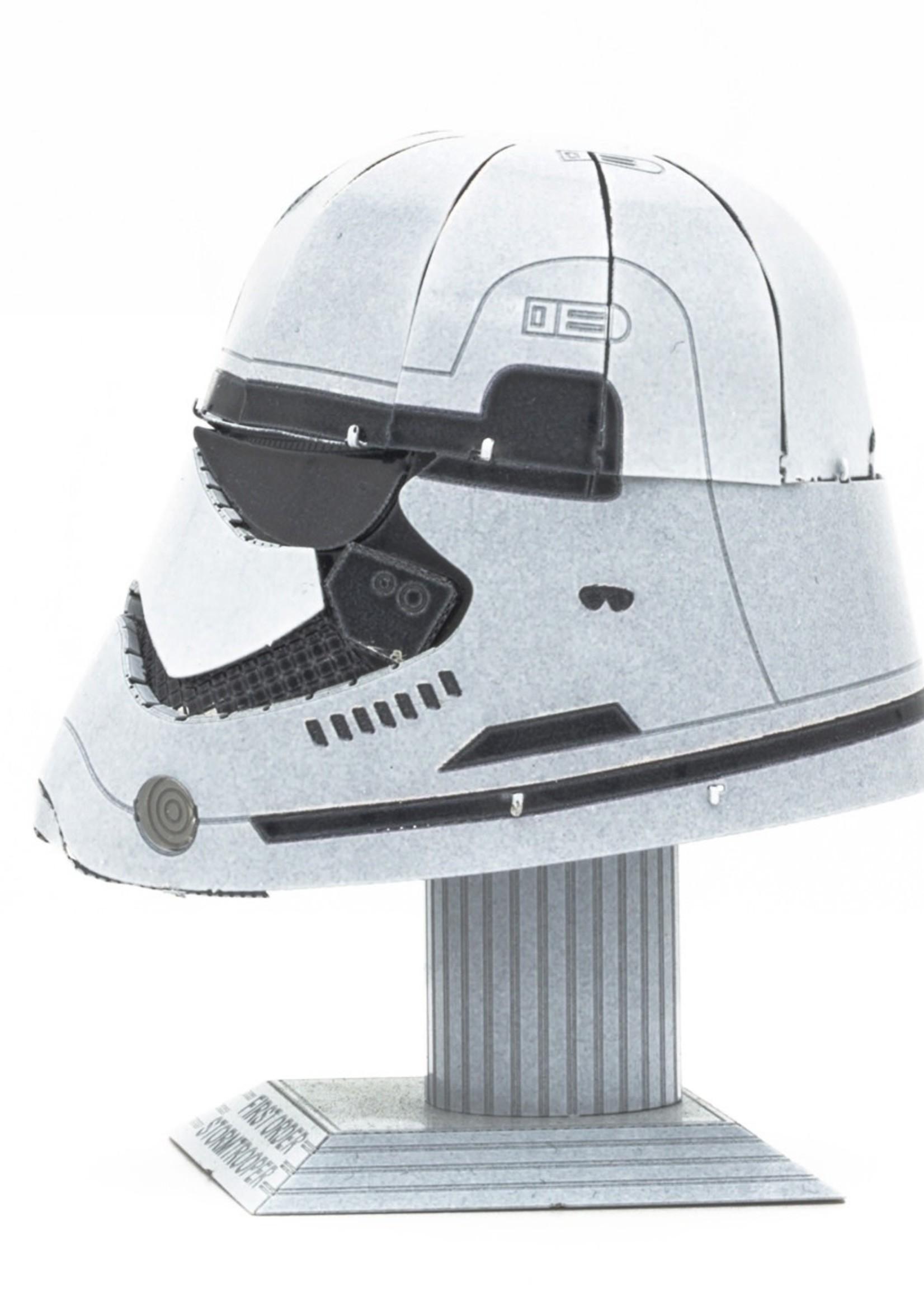 METAL EARTH Stormtrooper Helmet - COLOR Star Wars