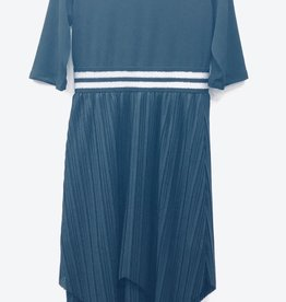 Sofia Rye Sofia Rye Accordion Pleat Robe with Elastic Waist