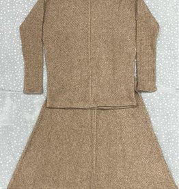 Qteen Qteen V-Ribbed Knit Top and Skirt Set