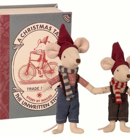 Maileg Christmas mice in book