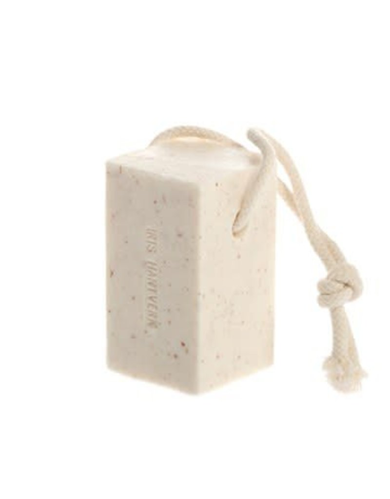 Iris Hantverk Soap On A Rope - Almond Vanilla/Cadamom