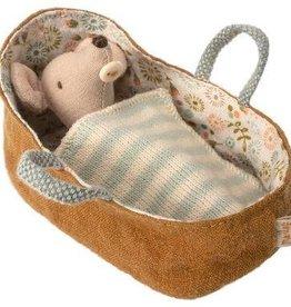 Maileg Souris bébé dans une nacelle