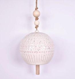 Cloche en grès - Blanc avec perles de bois