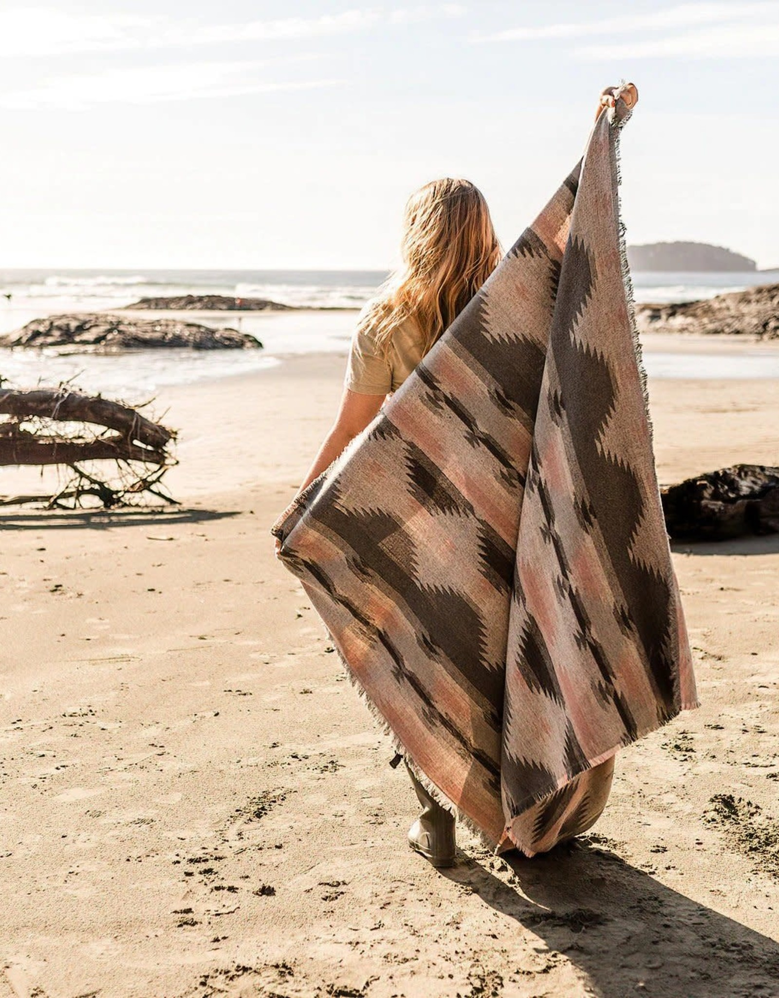 Modest Maverick Tofino Beach Blanket - Dusty Rose