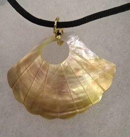 11 - Virginia Ackerman Shell Necklace