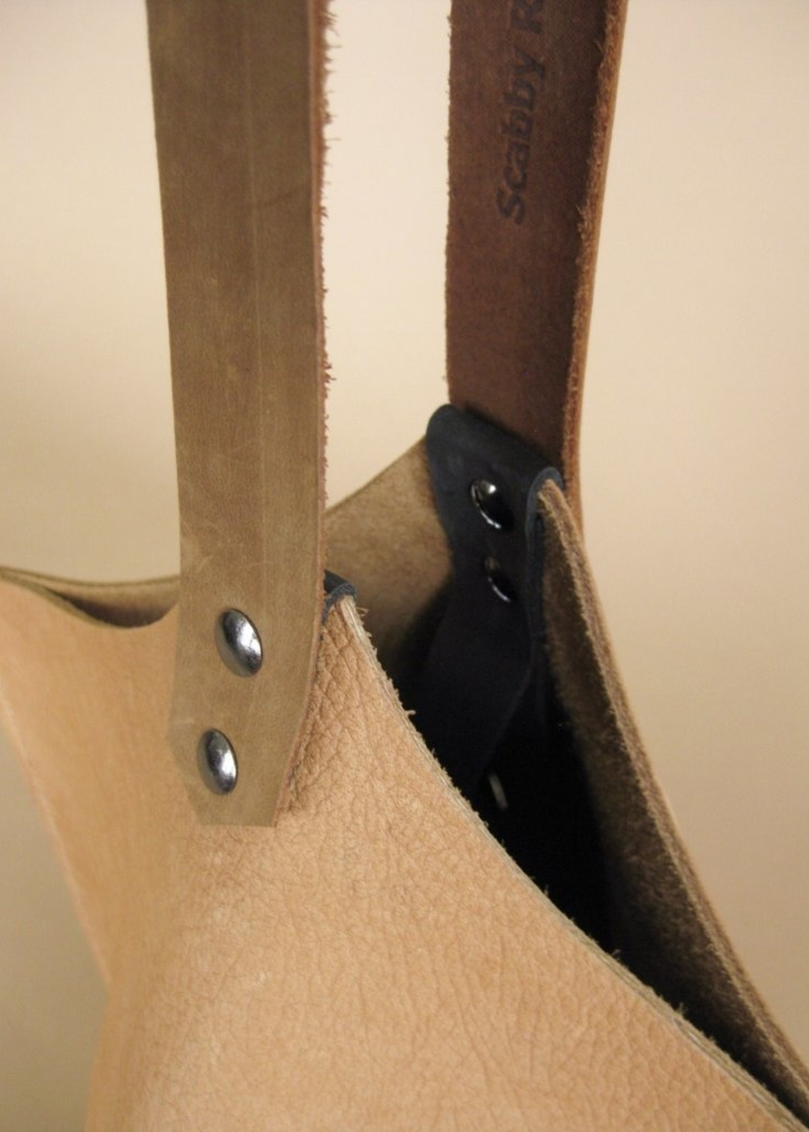 Scabby Robot Wedge Bag - Cashew Bull Hide