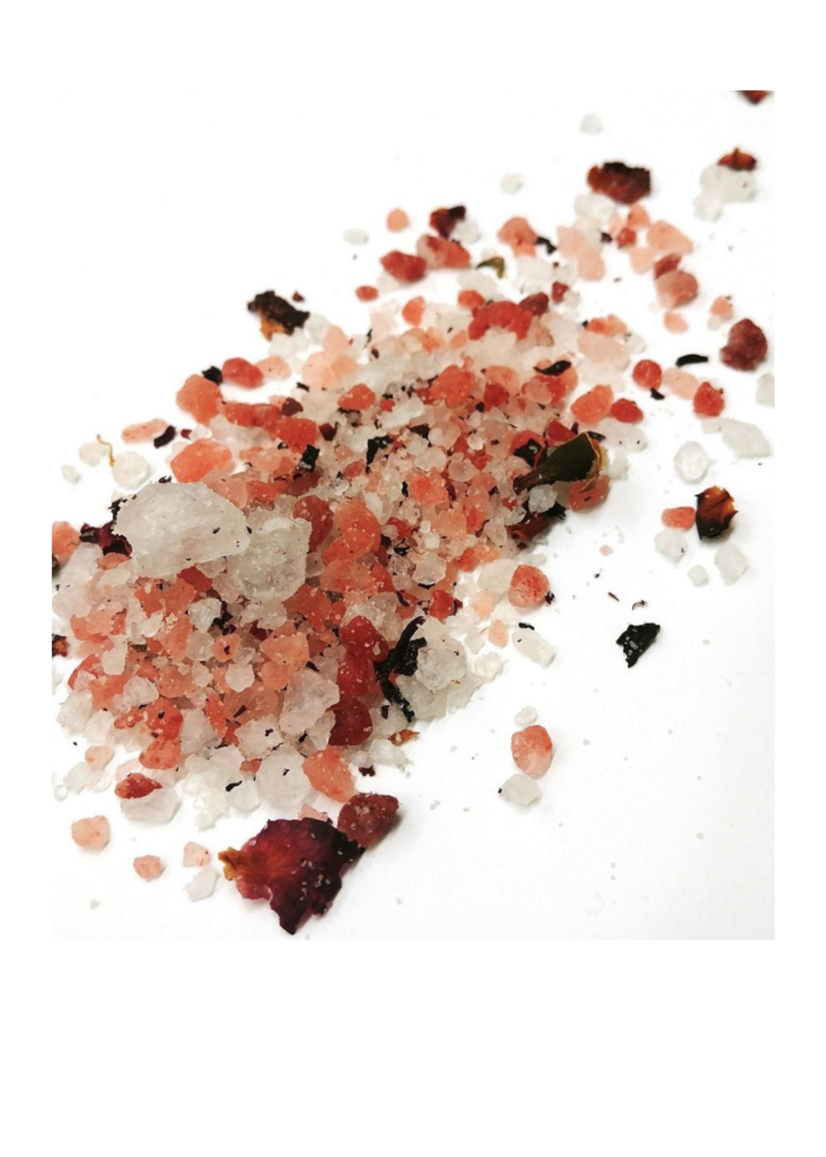 Rosé Mineral Salt Soak