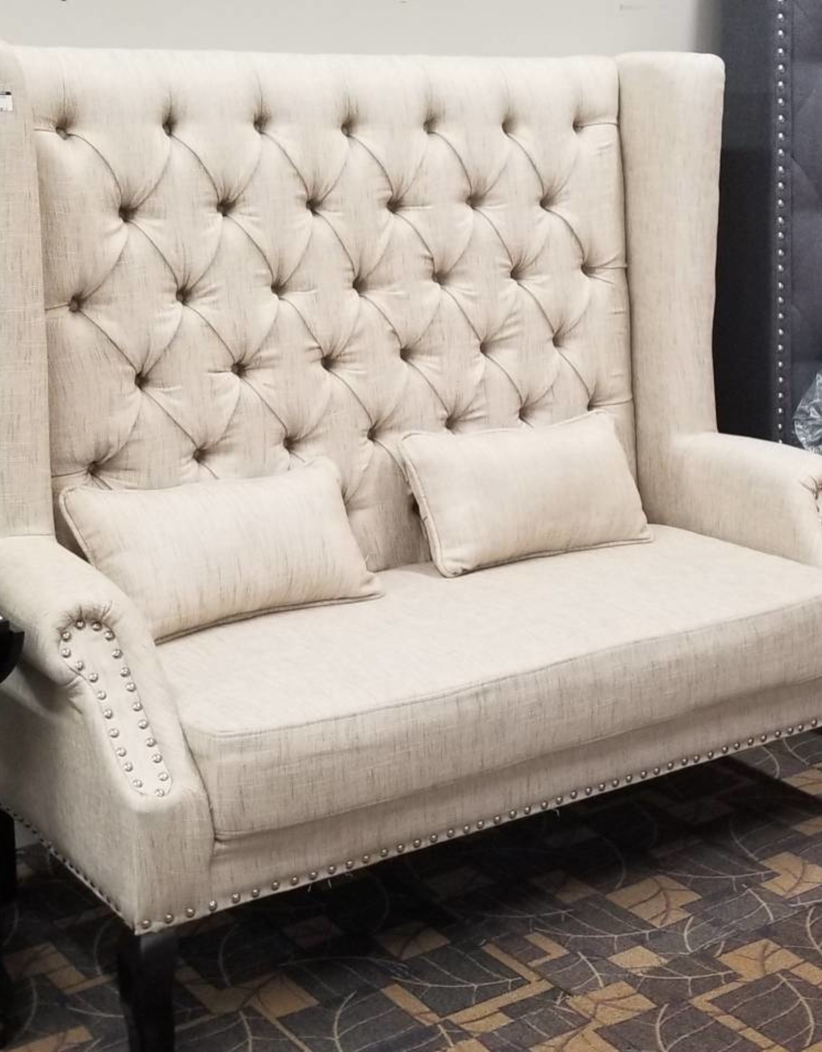 Crownmark Kaylee Loveseat - Ivory