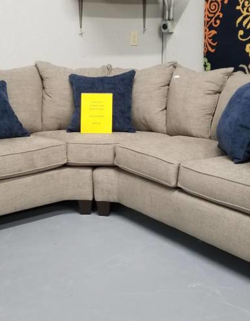 United Alamo Grey Sectional