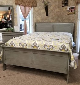 Crownmark Louis Philipe Sleigh Bedroom
