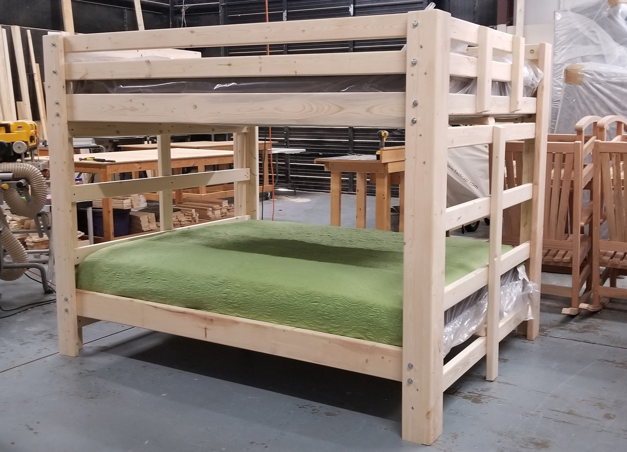 Big Mama Queen Over Queen Traditional Bunk Bargain Box And Bunks