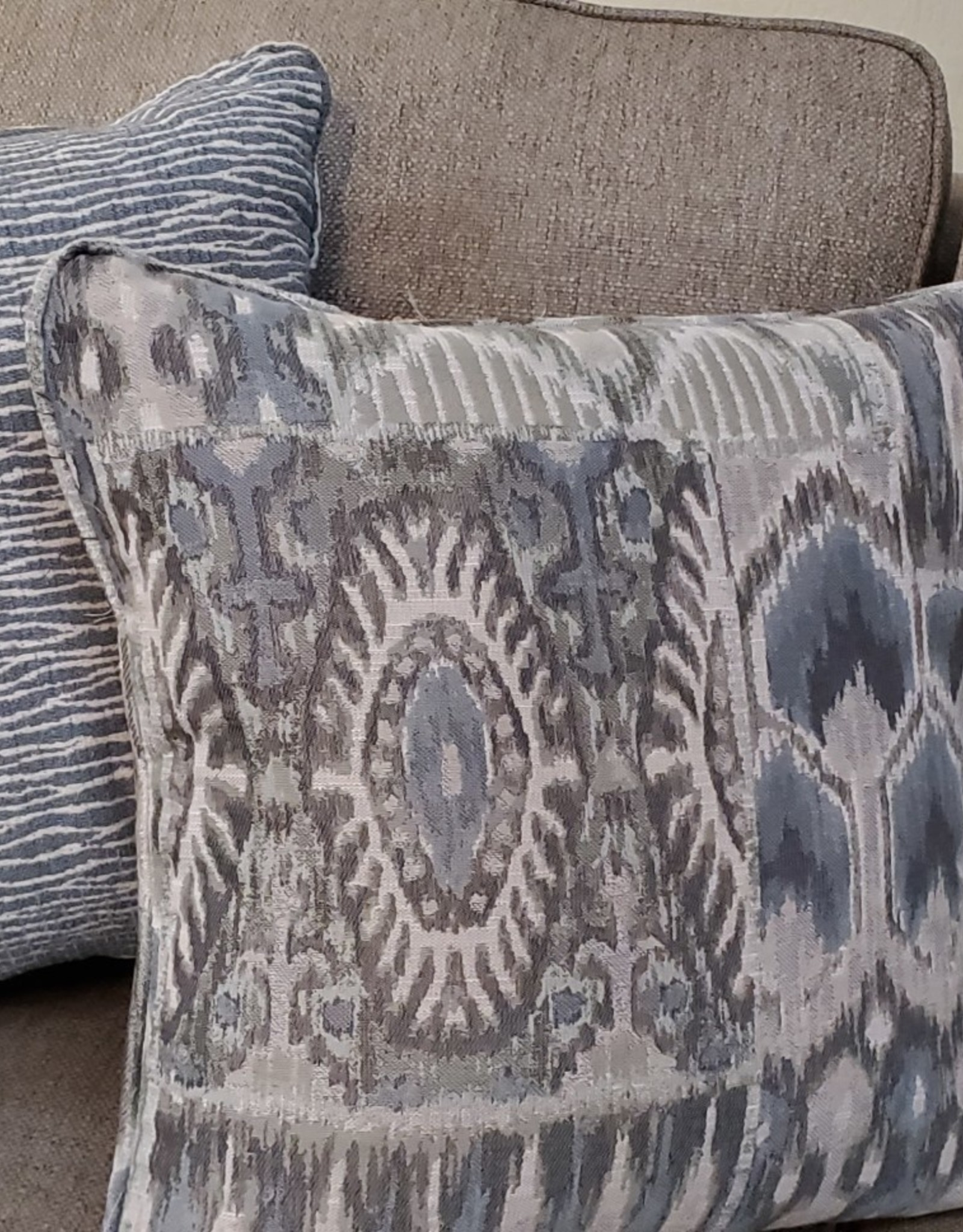 Wood House Hartford Sofa - Zeus Linen