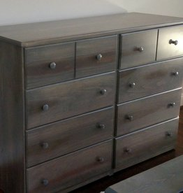 Fighting Creek Pine 8-Drawer Dresser w/ Full Ext Glides - w/ Stock Finish
