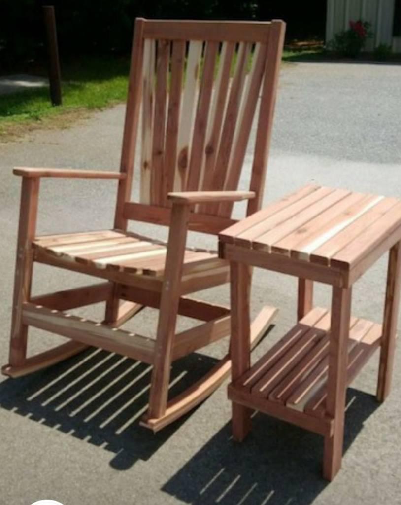 Cedar Rocker W Side Table