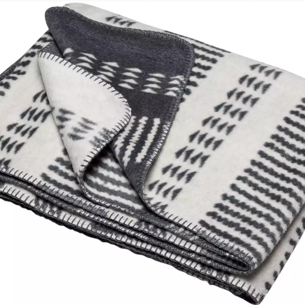 David Fussenegger David Fussenegger Bamboo Off White Gray Blanket