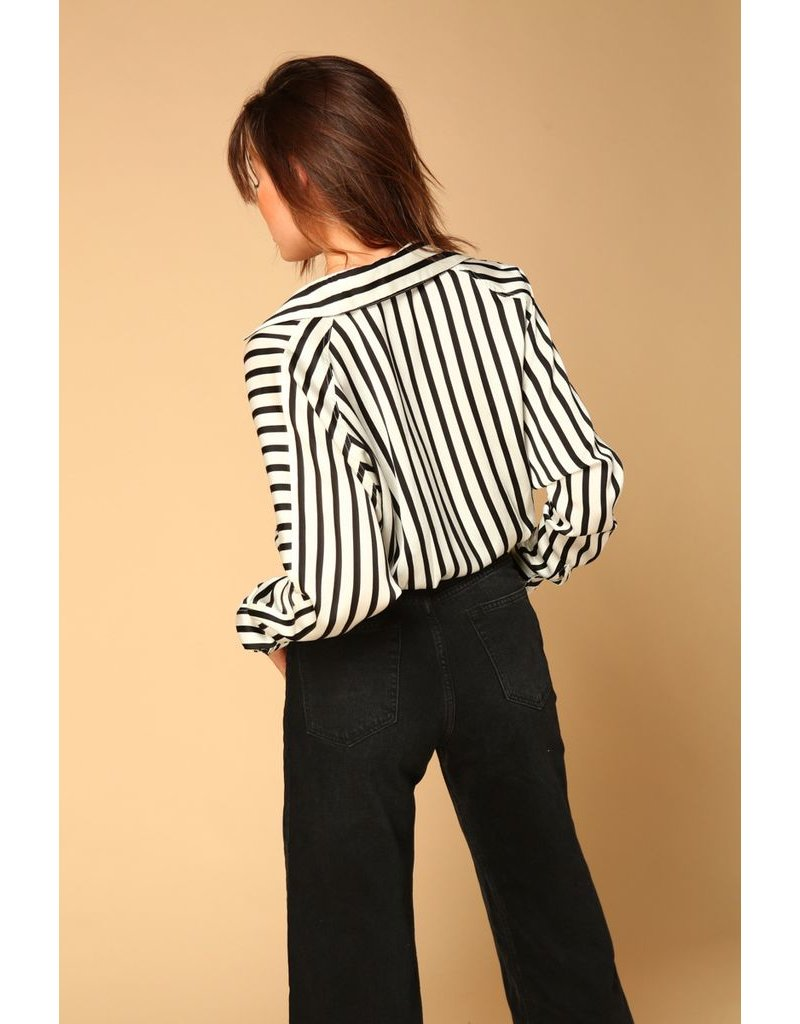 line & dot line & dot margo tie front blouse