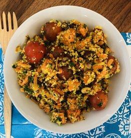 Salade de patate douce marocaine, dattes, amandes et couscous.