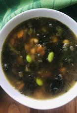 Soupe à la bettacarde et légumineuses