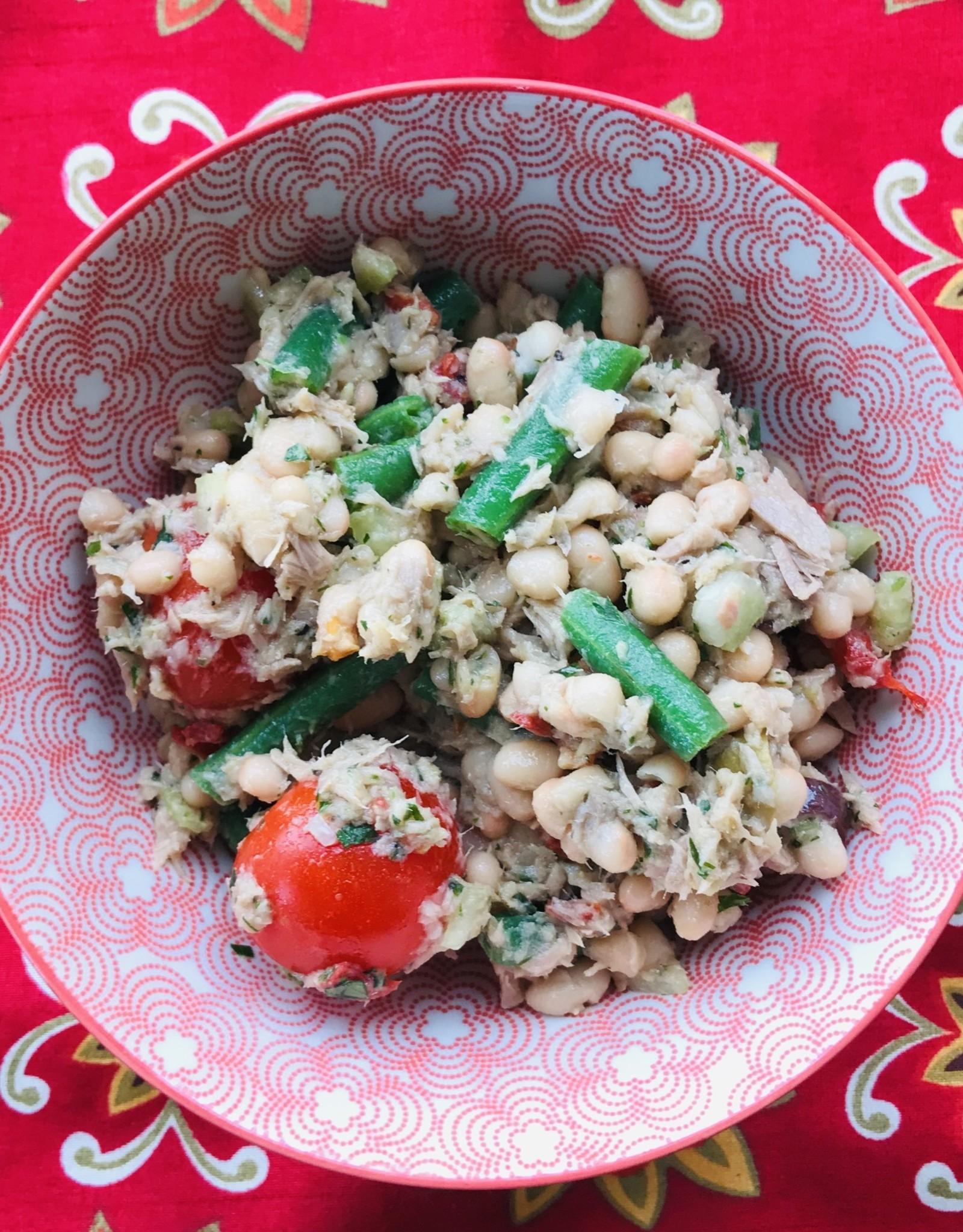 Salade Niçoise aux haricots blancs, thon et olives