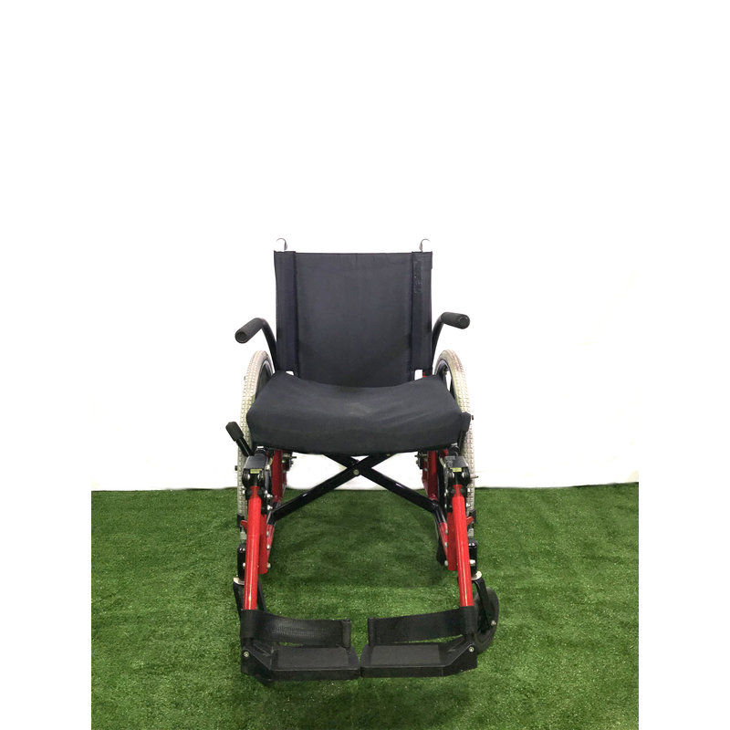 "Refurbished 19"" Sunrise Medical Quickie Manual Wheelchair with Foldaway Leg Rests"