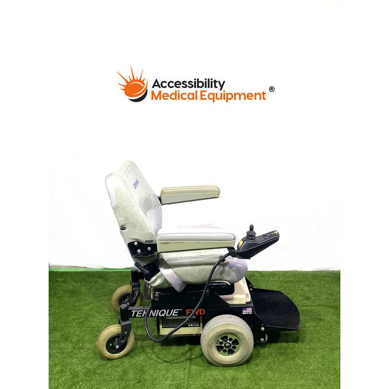 Refurbished Hoveround Teknique FWD Power Wheelchair - Working Batteries