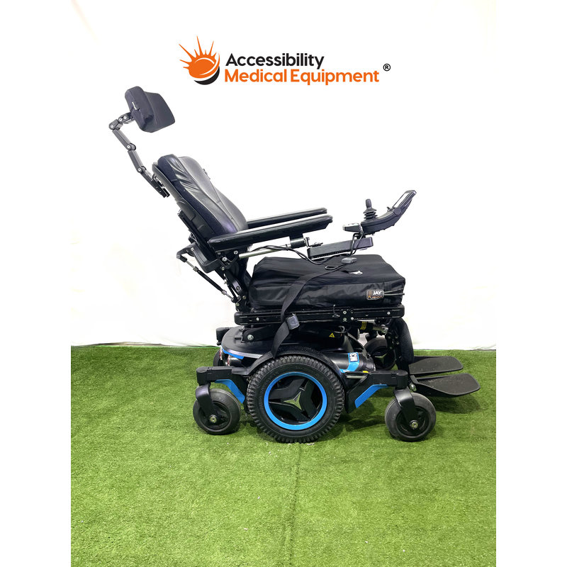 Permobil corpus M3 powerchair with tilt, recline, power leg rests. Batteries included