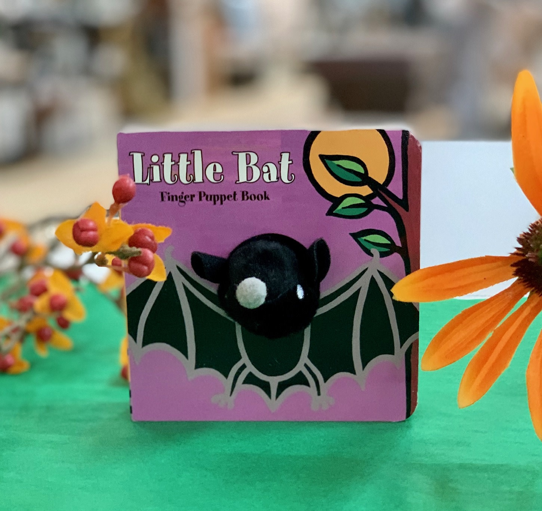 Hachette Books Little Bat Finger Puppet Book