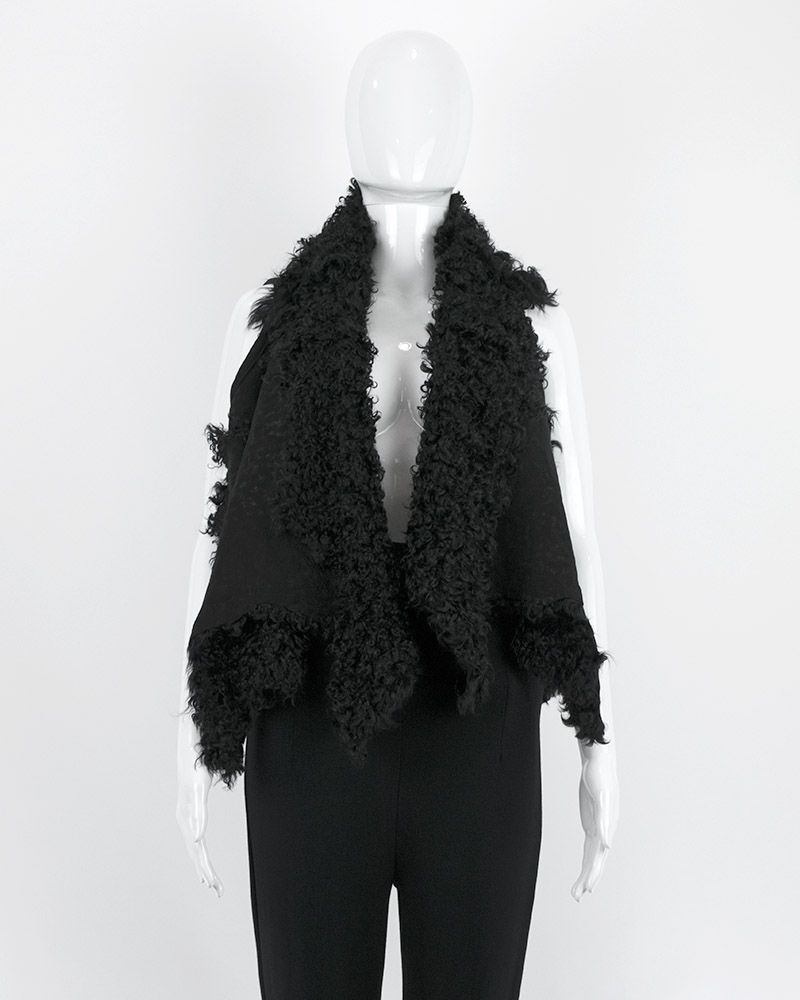 REVERSIBLE SHEARLING CAPE