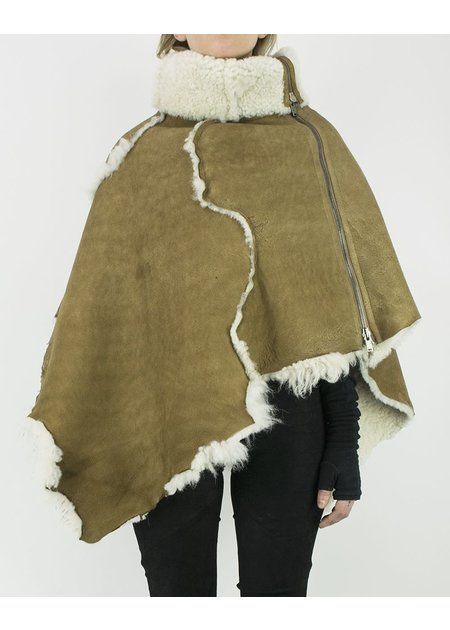 10SEI0OTTO SHEARLING CAPE NATURAL SHEEPSKIN