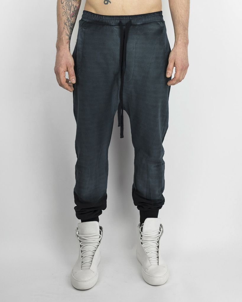TROUSER WITH ZIPPERED BACK POCKETS - BLACK