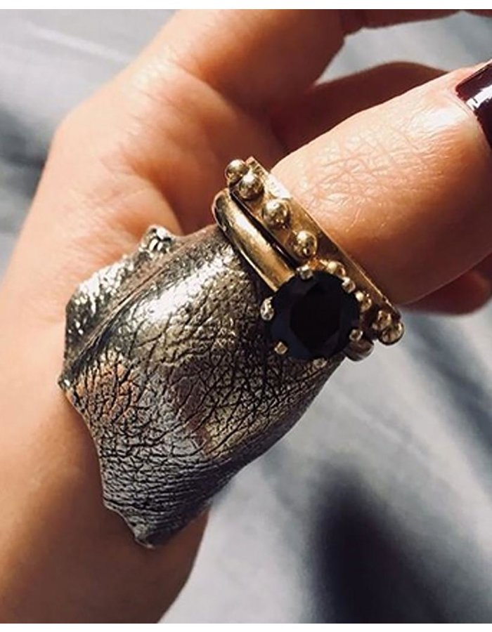 ANGOSTURA JEWELS MOLDED KNUCKLE THUMB RING WITH JEWEL