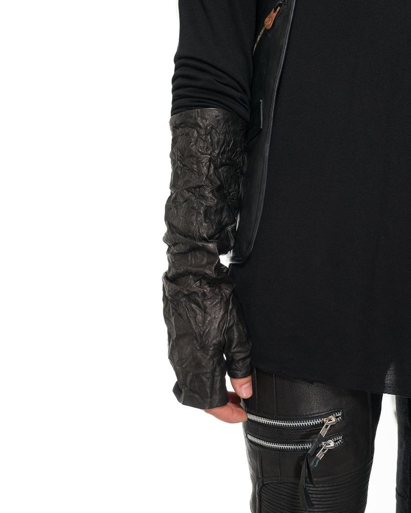 LONG WRINKLED LEATHER FINGERLESS GLOVES