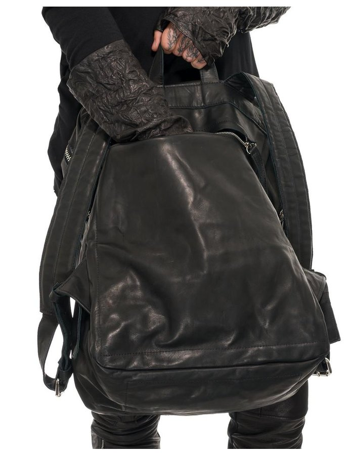 JULIA FOM LEATHER BACKPACK W/ DIAGONAL ZIPPER