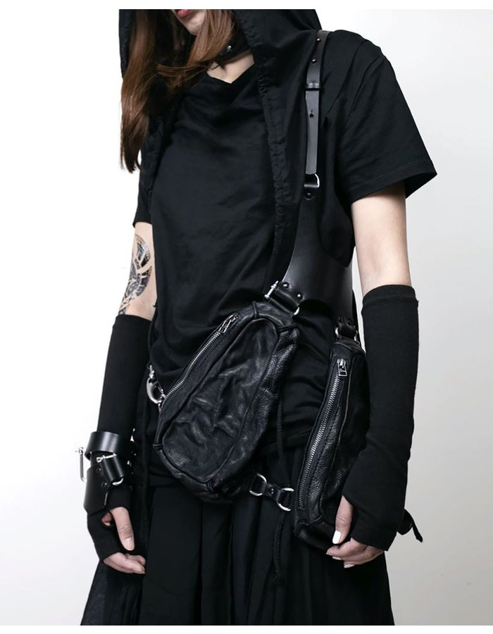 TEO + NG KYU LEATHER POUCH HARNESS