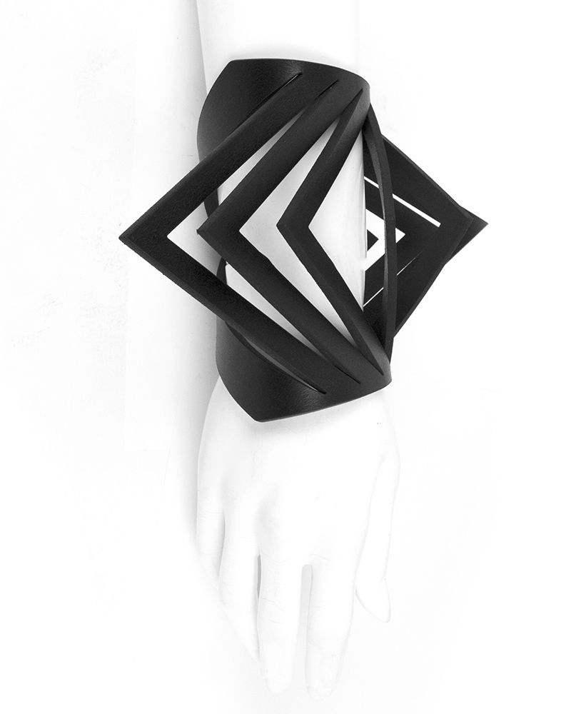 BIG TRIANGLE BRACELET