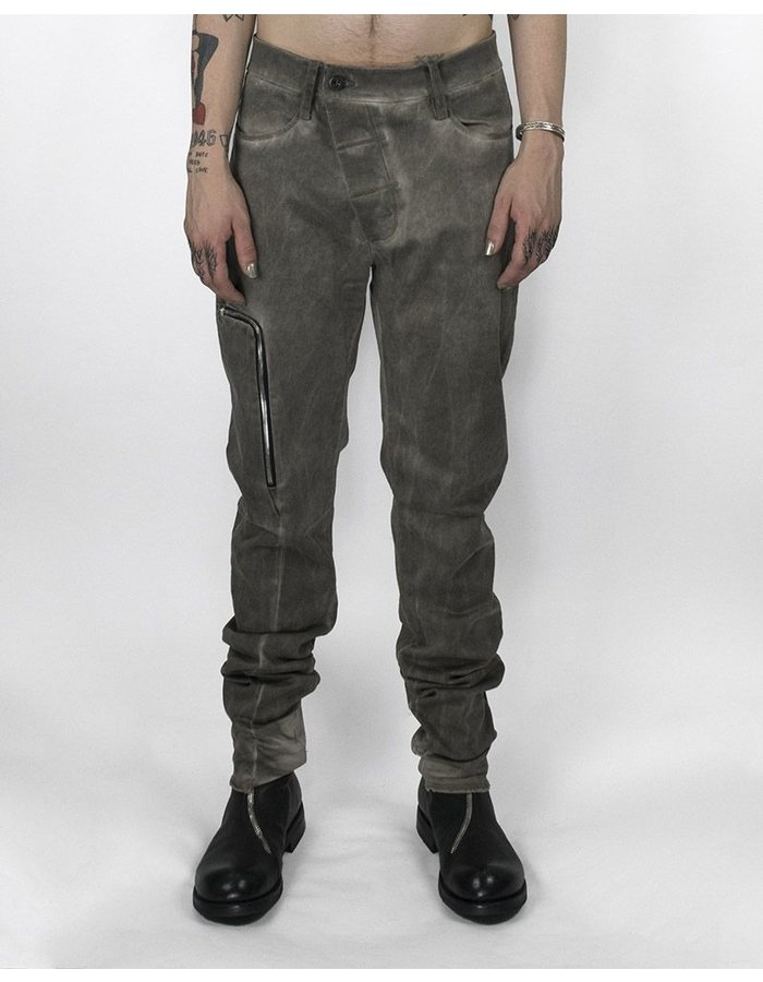 LOST AND FOUND ROOMS SLIM PANT WITH ZIPPERED POCKET COLD GREY