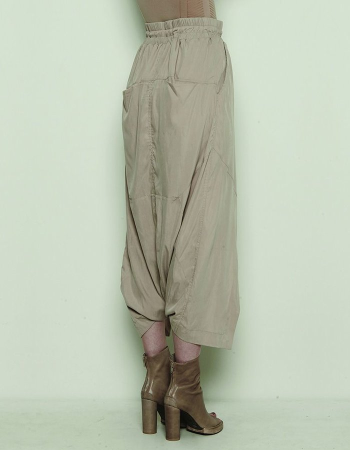 SHORTS WITH OPEN FRONT MUD