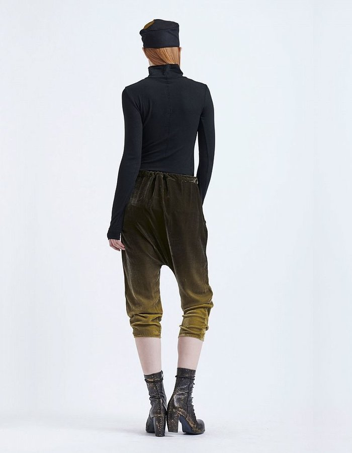 MASNADA DROP CROTCH SILK VELVET SHADOW  PANT OIL