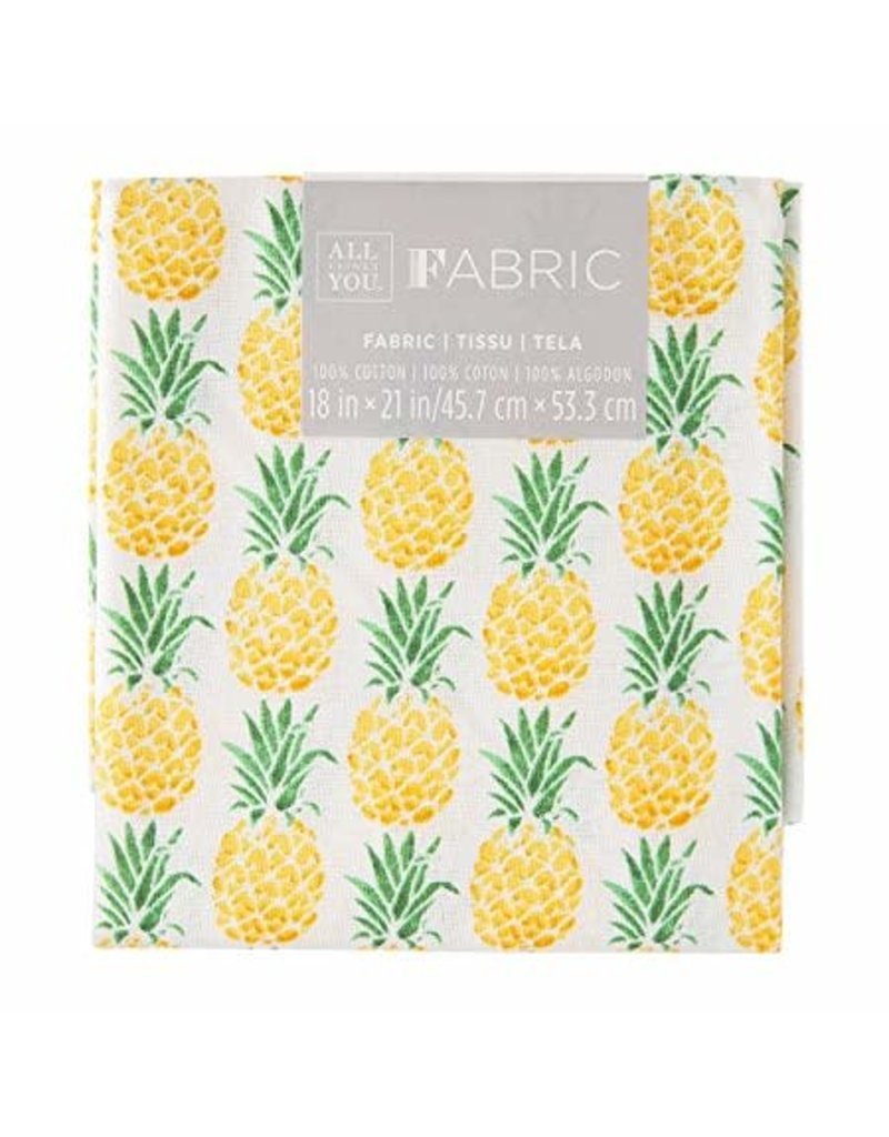 Darice Patterned Quilting Fabric Fat Quarters: Pineapple, 18 X 21 In
