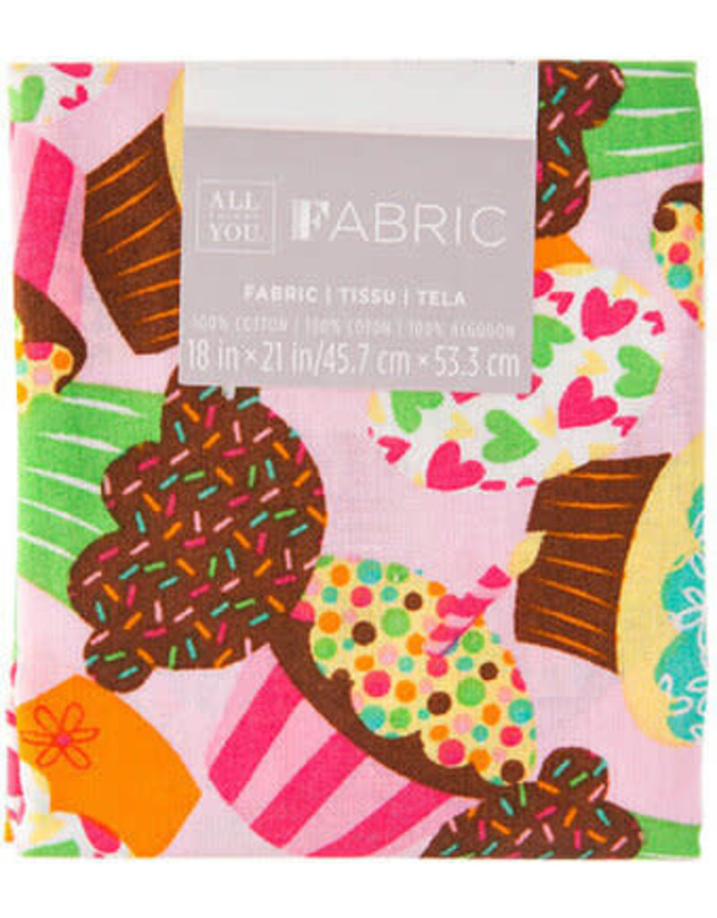 Darice Patterned Quilting Fabric Fat Quarters: Pink Cupcakes, 18 X 21 Inches