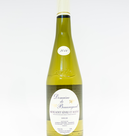 Wine-White-Crisp Domaine de Beauregard Muscadet Sevre et Maine AOC 2018