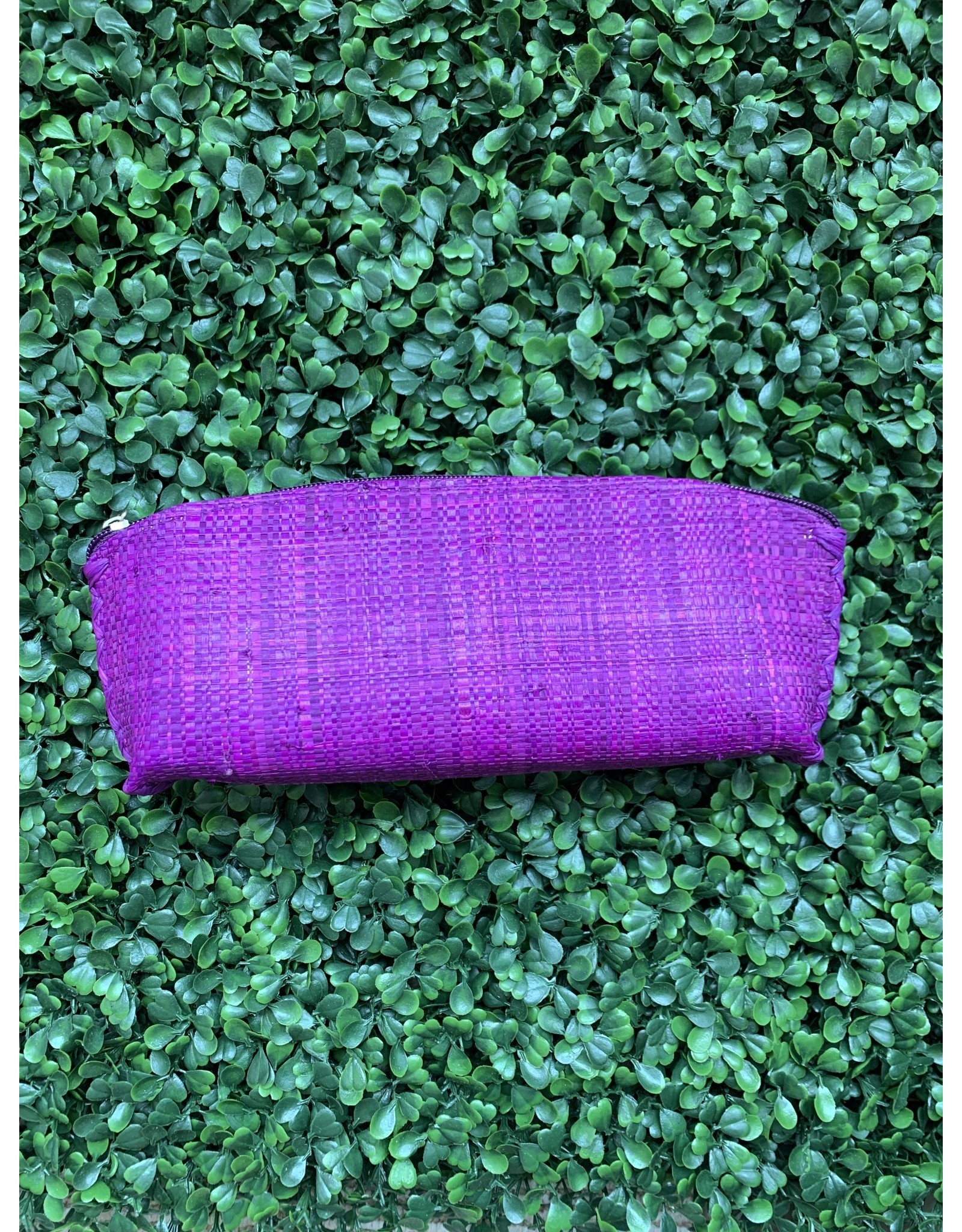 Straw Pouch in Grape Medium