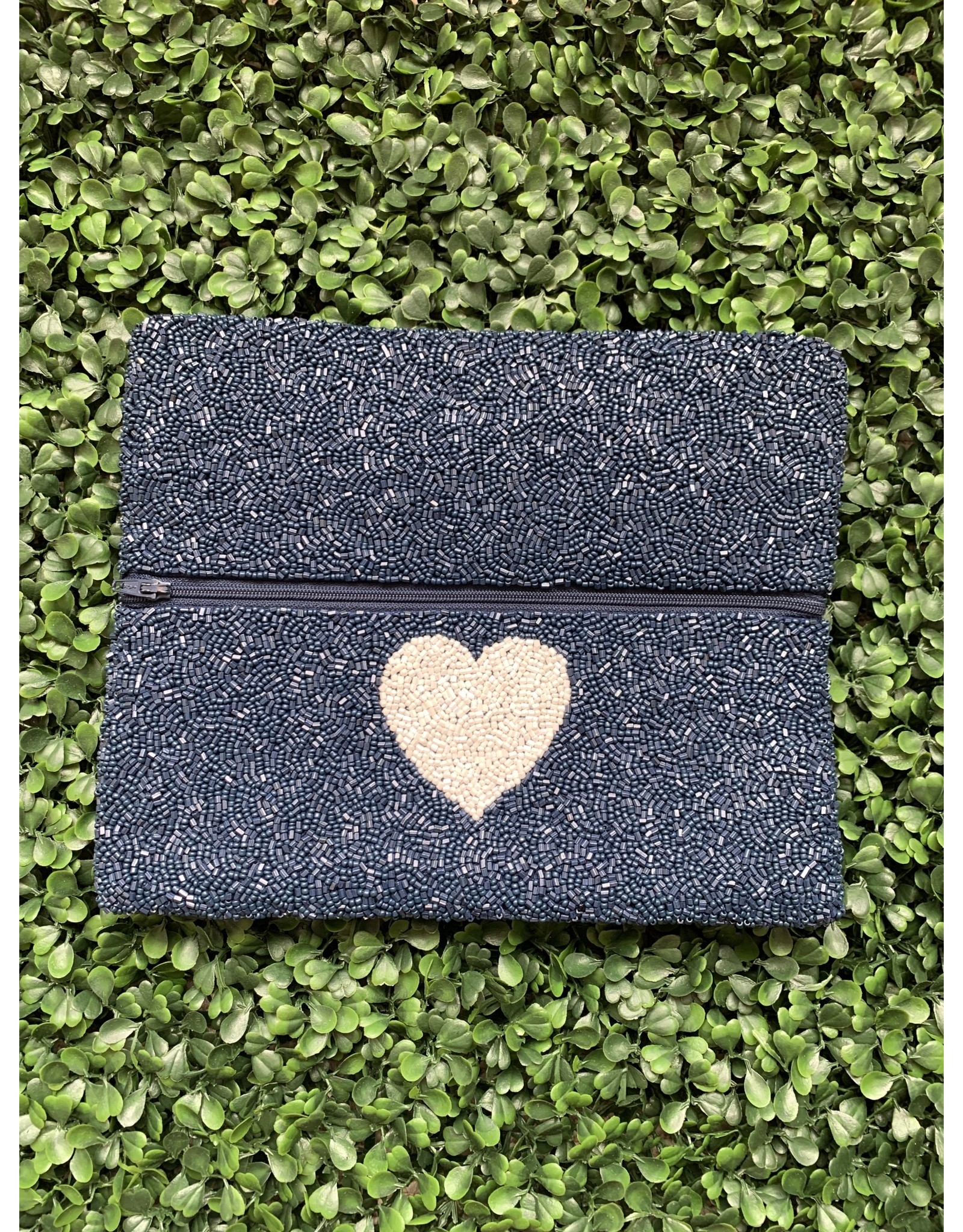 02129 Beaded Clutch
